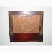 Дореволюционная рамка красного дерева с медными накладками в стиле модерн со стеклом