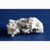 Друза кристаллов молочного кварца