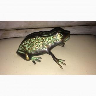 Лягушка из бронзы. Ручная работа. Индия Размеры: 15 х13 х 8 см