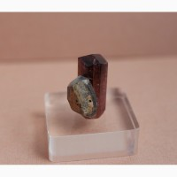 Сросток кристаллов розового турмалина и кварца