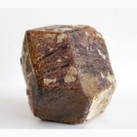 Альмандин, крупный хорошо сформированный кристалл