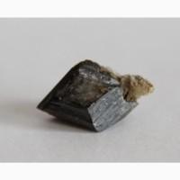 Титанит (сфен), двойниковый кристалл