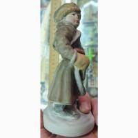 Фарфоровая статуэтка Маленький дровосек, Песочное, 1956 год