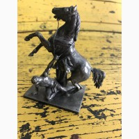 Скульптура Конь с упавшим всадником (олово, 11 см)