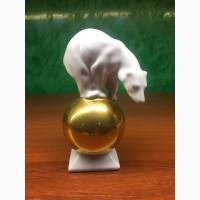 Статуэтка Медведь на золотом шаре Германия вторая половина ХХ в