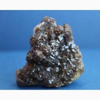 Андрадит (гранат), щетка кристаллов с кальцитом