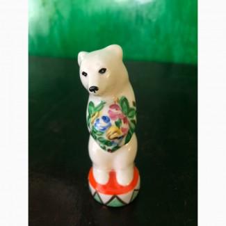 Цирковой медведь с букетом. Дулево