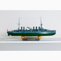 Продам модель французского броненосца Danton в масштабе 1/350