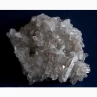 Друза кристаллов кварца с гематитом