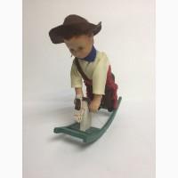 Игрушка заводная Мальчик на коне