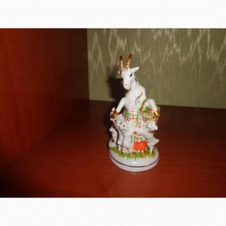 Статуэтка советский фарфор коза и семеро козлят лфз