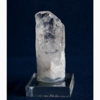 Данбурит, кристалл