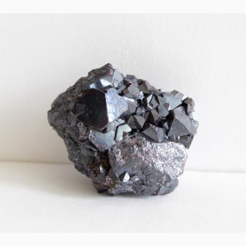 Фото 3. Куприт, самородное серебро