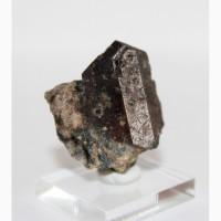 Лоренценит (рамзаит), эгирин на породе
