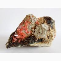 Крокоит, кварц, кристаллы на породе