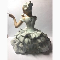 Фарфоровая статуэтка Балерина с зеркальцем Германия Шаубахкунст 50-е года