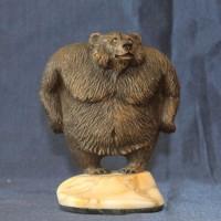 Престижный подарок из натурального камня кальцит медведь ЛОМАКА