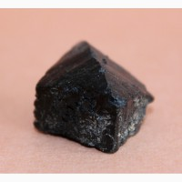 Ильваит, крупный кристалл