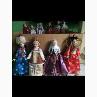Продам коллекцию фарфоровых кукол в народных костюмах ручной работы