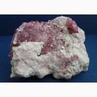 Розовый турмалин в альбите и лепидолите
