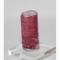 Кристалл розового турмалина