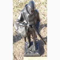 Чугунная статуэтка Охотник с глухарем, Касли