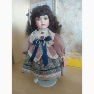 Продам коллекционную куклу Джулия