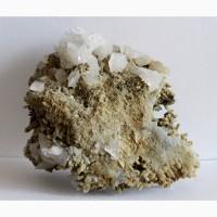 Друза кристаллов кварца, кальцита, пирита