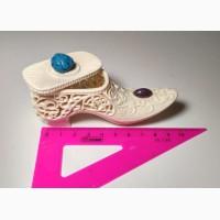 Шкатулка-туфелька, для ювелирных изделий, из бивня мамонта, резьба по бивню мамонта