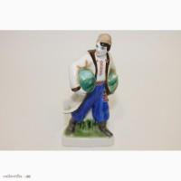 Статуэтка Украинец с арбузами(фарфор - редкая роспись) ЛФЗ