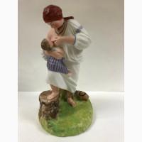Статуэтка Крестьянка кормящая младенца в поле Фарфор, бисквит.Гарднер