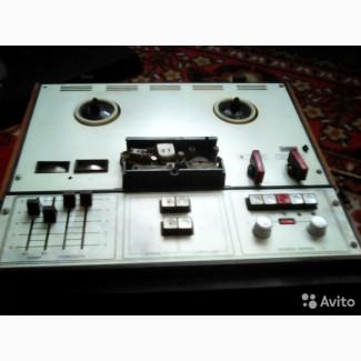 Продам Катушечный магнитофон Комета-212