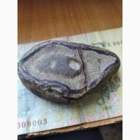 Древний камень с глазом