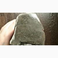 Каменный метеорит крупный
