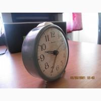 Часы будильник советские в рабочем состоянии