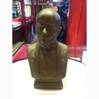 Бюст В.И Ленин (чугун, краска) высота 22 см