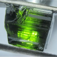 Турмалин темно-зеленый 2