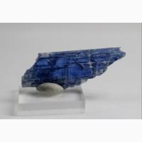 Кианит, прозрачный кристалл