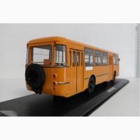 ЛИАЗ-677М оранжевый с запасным колесом модель автобуса ClassicBus, 1/43