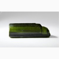 Турмалин темно-зеленый