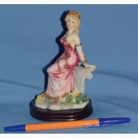 Продаю статуэтки девушек коллекция