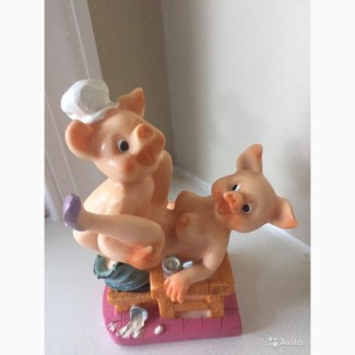 Статуэтка свинки