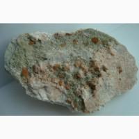 Щетка кристаллов граната (гроссуляра) и диопсида