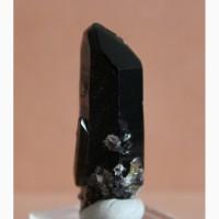 Морион, отдельный кристалл 8