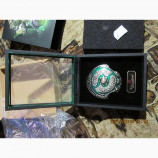 Продам эксклюзивный медальон: Щит Эгиды
