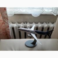 Продам модель самолета МС-21 масштаб 1:144