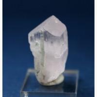 Кунцит, кристалл