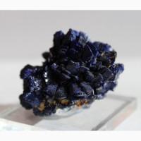 Азурит, конкреция с крупными кристаллами