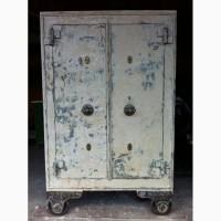 Продам антикварный сейф «Меллер Москва» 1857 года
