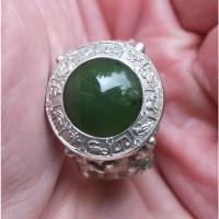 Серебряный перстень Чудо Чудное и Диво, серебро 925 проба, нефрит